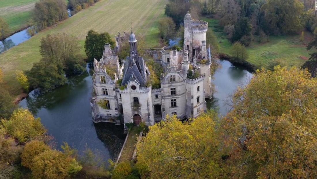 Ahora puedes ser dueño de un castillo francés por menos de 60 dólares