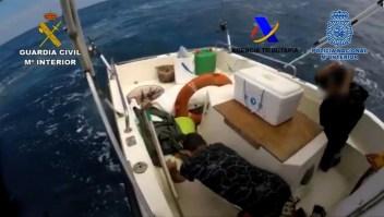 Así persiguió la Guardia Civil española a un bote cargado con droga