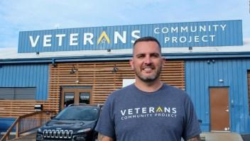 El veterano que da hogar a otros veteranos sin techo