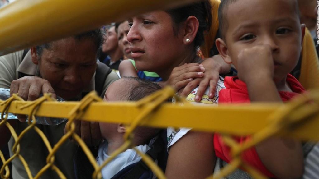 """Bartolo Fuentes, acusado de organizar la caravana de migrantes: """"Me están adjudicando como una especie de superpoderes"""""""