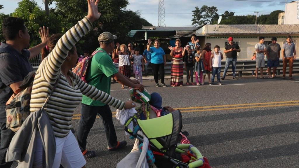 La caravana de inmigrantes reanuda su camino para lograr un mejor futuro