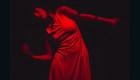 Esta bailarina puede moverse al ritmo de la actividad sísmica