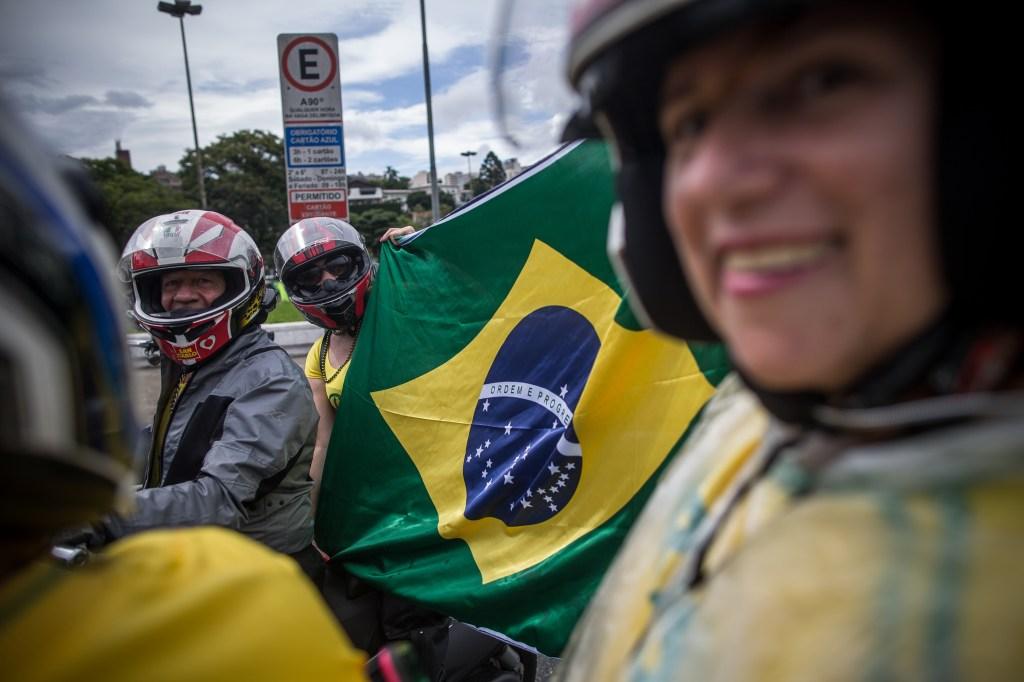 Los electores deberán elegir entrar Haddad y Bolsonaro, quien, según las encuestas, lleva ventaja. (Crédito: Victor Moriyama/Getty Images)