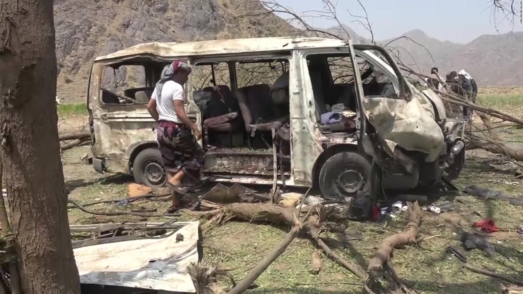 En Yemen los civiles mueren por bombas, balas y hambre