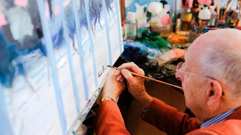 La pasión del artista por el arte ecuestre ha sido constante a lo largo de sus 78 años de carrera.
