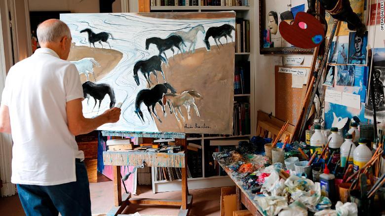 Andre Brasilier se inspiró para pintar caballos en su crianza en el campo francés.