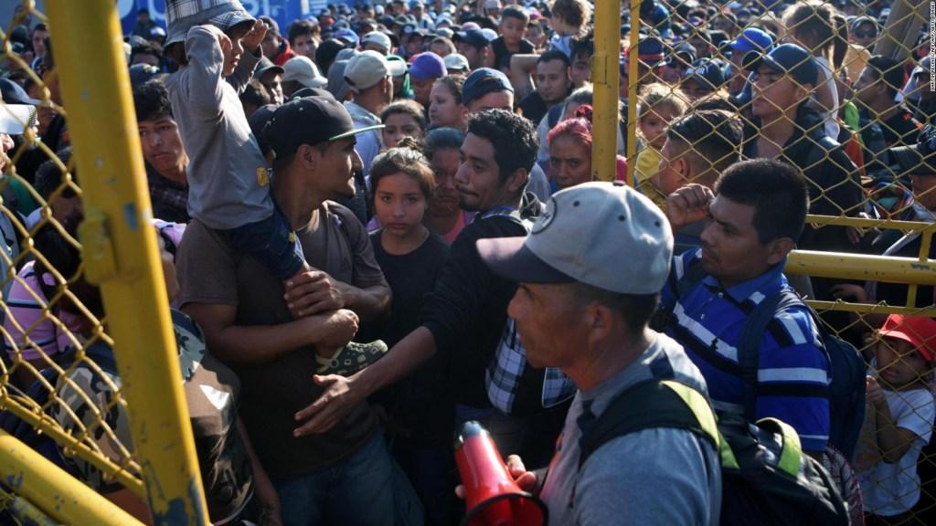 """Analistas: """"Las formas migratorias en México son un vía crucis"""""""