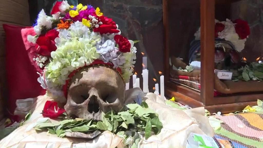 """Así se celebra la fiesta de """"las ñatitas"""" en Bolivia"""