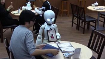 Tokio estrena camareros robóticos