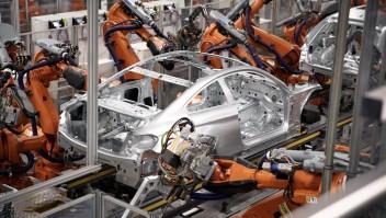 Estos robots de BMW construyen 1.000 autos al día