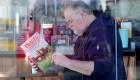 El padre de Meghan Markle pide a su hija que le hable