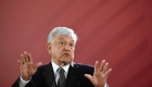 Andrés Manuel López Obrador ahora viaja en vuelo comercial