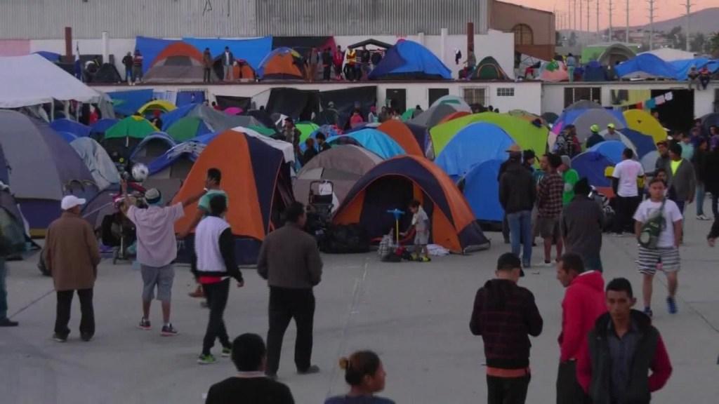 Inmigrantes en Tijuana se mueven al albergue 'El Barretal'