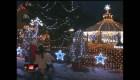 Miles de bombillas decoran una casa en la República Checa en Navidad