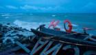 Tsunami en Indonesia impacta a los famosos