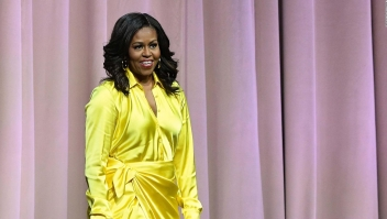 "El éxito de Michelle Obama con su libro ""Becoming"""