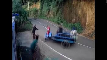 Un curioso accidente fue captado al sur de Sri Lanka