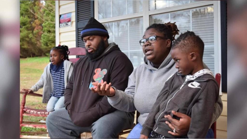Familia afectada por cierre parcial del Gobierno de EE.UU.