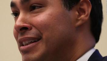 Demócrata Julián Castro lanza su precandidatura presidencial