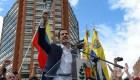 Así entonaron Guaidó y ciudadanos el himno nacional