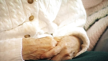 Un examen de sangre podría detectar el alzhéimer