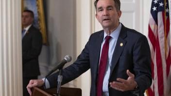 El gobernador de Virginia no renunciará