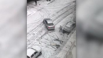 ¿Bajo el hielo? Sea precavido al conducir