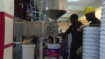 Uganda produce una pintura antimosquitos