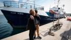 El homenaje de un barco alemán a un niño ahogado en el Mediterráneo