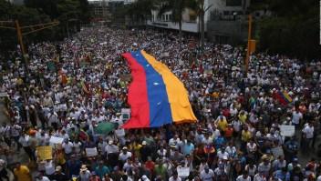 Masivas manifestaciones por Día de la Juventud
