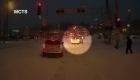 Conductora de autobús salva a una mujer atrapada en la nieve