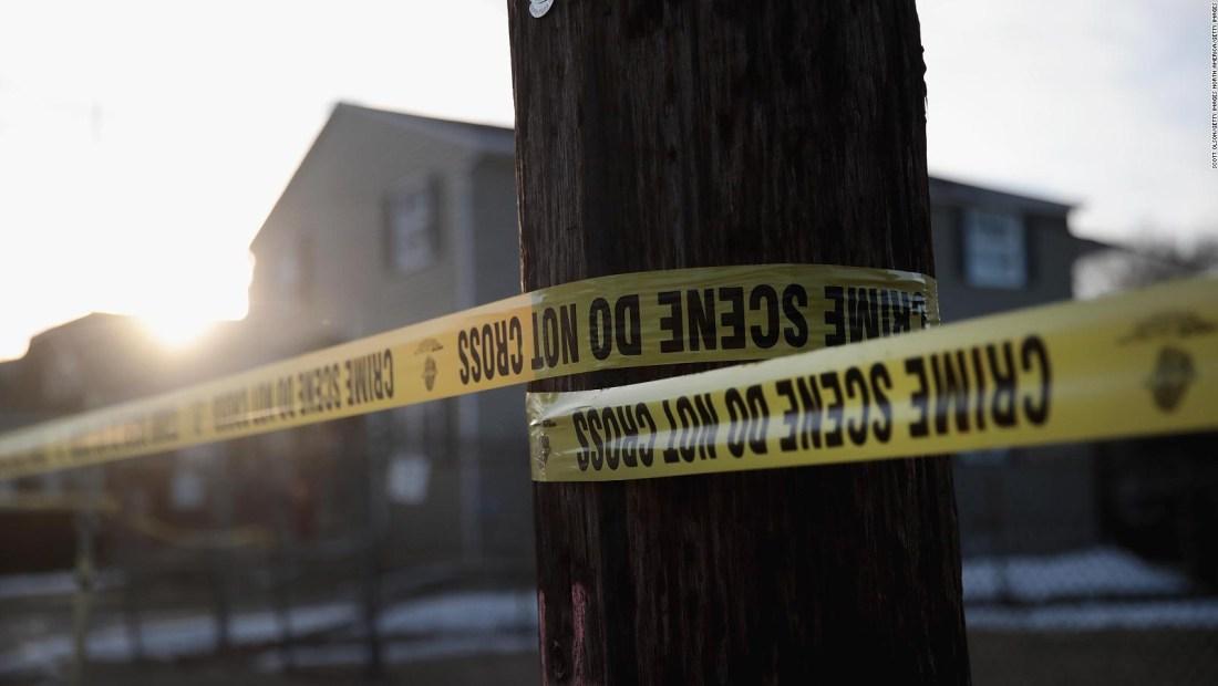 El pasado perturbador del autor de la masacre en Aurora, Illinois