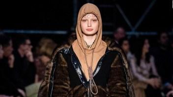 """""""El suicidio no es moda"""" y las disculpas de Burberry por polémica prenda"""