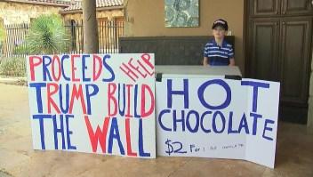 Niño recauda dinero para el muro en la frontera con México