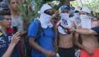 """La resistencia: jóvenes venezolanos gritan """"¡Fuera Maduro!"""""""