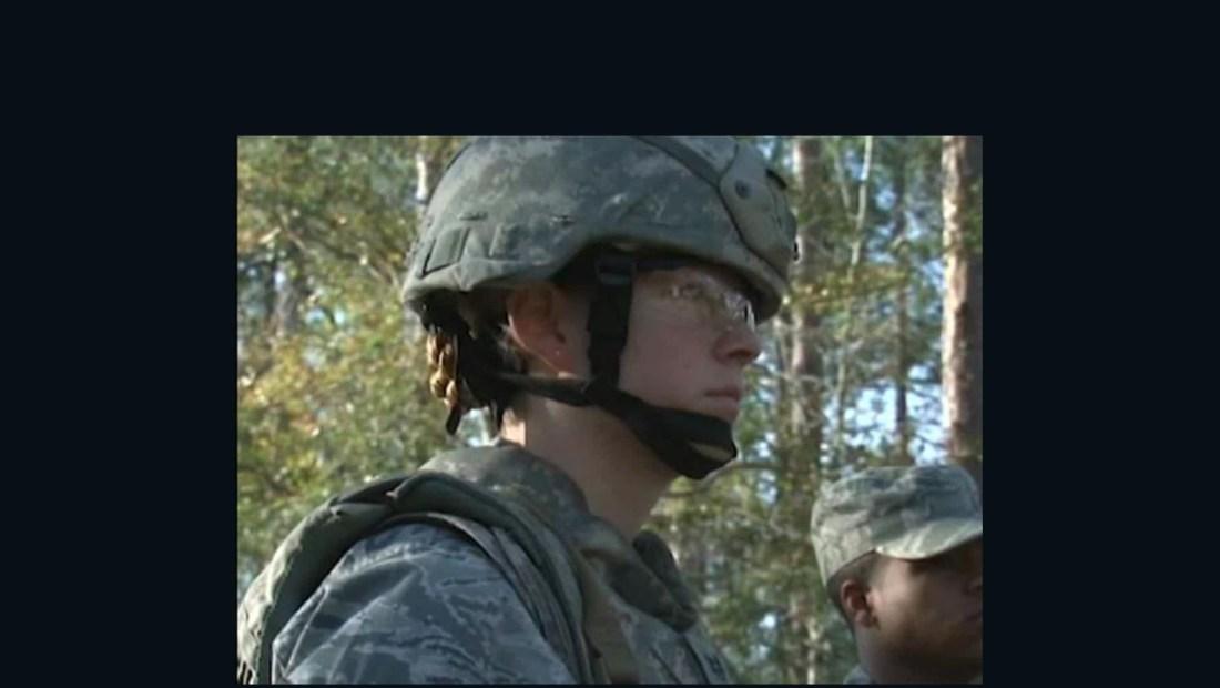 Juez federal dice que el registro del servicio militar es inconstitucional