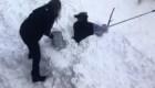 Un hombre en Arizona casi queda enterrado bajo la nieve