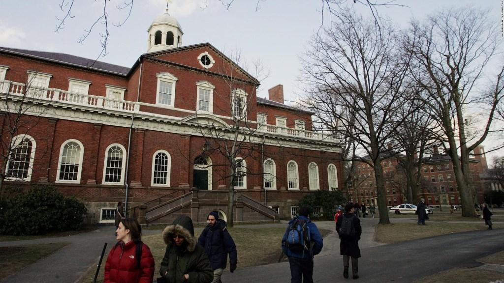 El fraude contra universidades de EE.UU. indigna a los alumnos