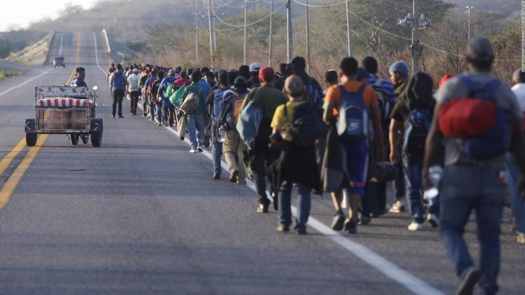 Una caravana de migrantes partió del sur de México rumbo a la frontera de EE.UU.