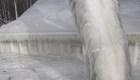 """El hielo """"se tragó"""" esta casa en el estado de Nueva York"""