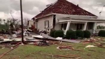 Mortales tornados dejan varios muertos en EE.UU.