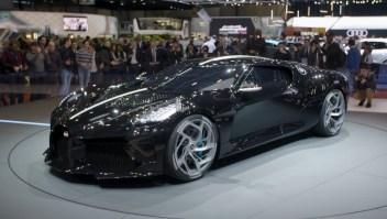 Bugatti muestra el auto más costoso del mundo en Ginebra
