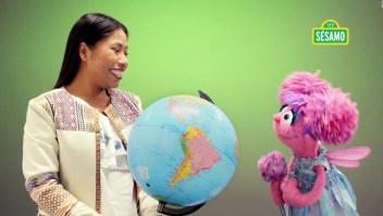 Yalitza y Plaza Sésamo enseñan cómo alcanzar las metas