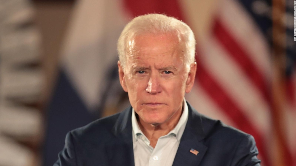 Joe Biden lidera encuesta demócrata