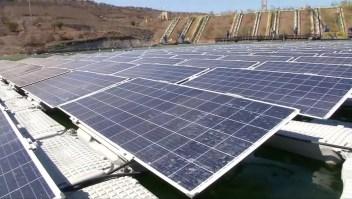 La primera granja solar flotante de Chile