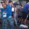Mujer con traje indígena corre maratón en Los Ángeles