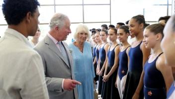 Viaje de pareja real británica a Cuba causa polémica