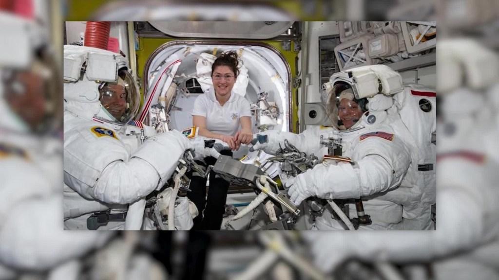 Se retrasa la caminata espacial de astronautas femeninas