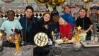 El gran festejo de una escuela para un guardia 80 años