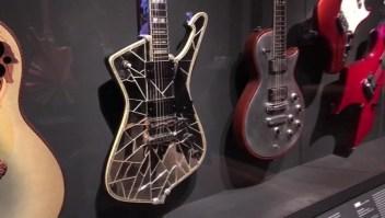 Exhiben colección musical de íconos del Rock and Roll